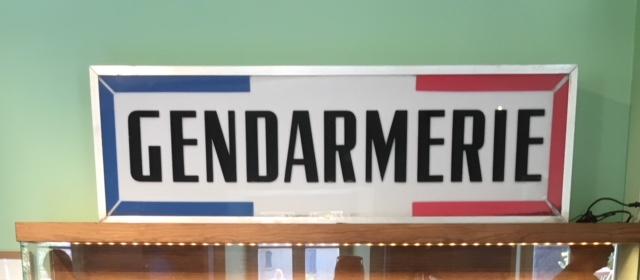 Schild im Musée de la Gendarmerie et du Cinéma in St. Tropez
