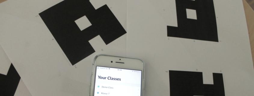Bei Plickers braucht nur die Lehrerin ein Smartphone.