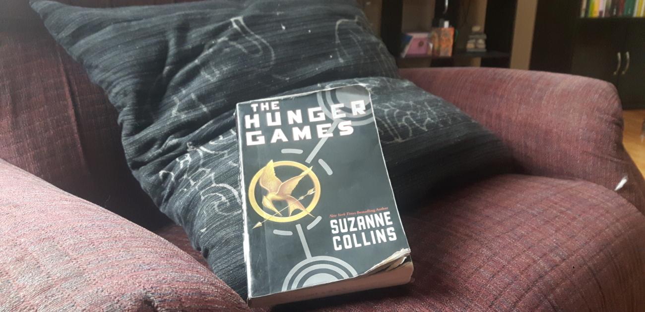 Empfehlenswert als Schmöker und Schullektüre: The Hunger Games von Suzanne Collins