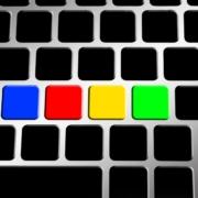 Tastatur mit vier bunten Tasten